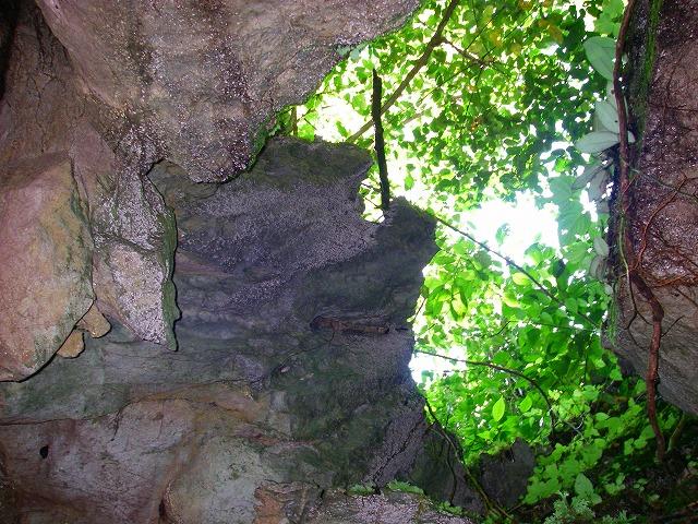 S2008aug22_telinga_cave114